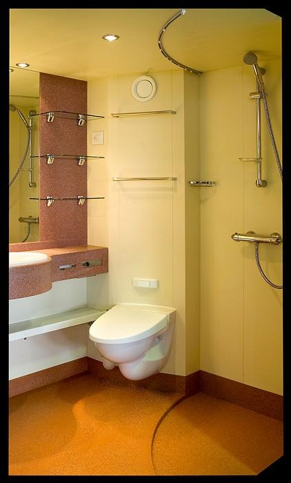 Sanitrade bagni prefabbricati moduli bagno prefabbricati cellule cabine toilet - Moduli bagno prefabbricati ...